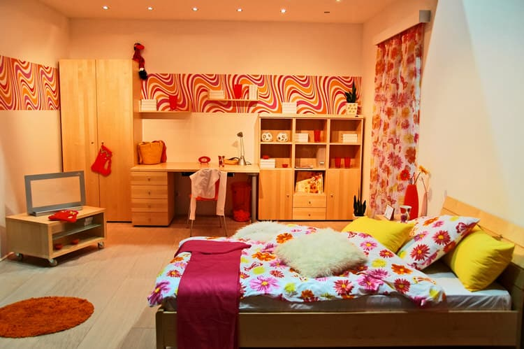 60s bedroom. the girlu0027s room has a mod 60s vibe and thatu0027s why we named it u201cflower poweru201d to max cool bedroom features brightly colored blooms covering