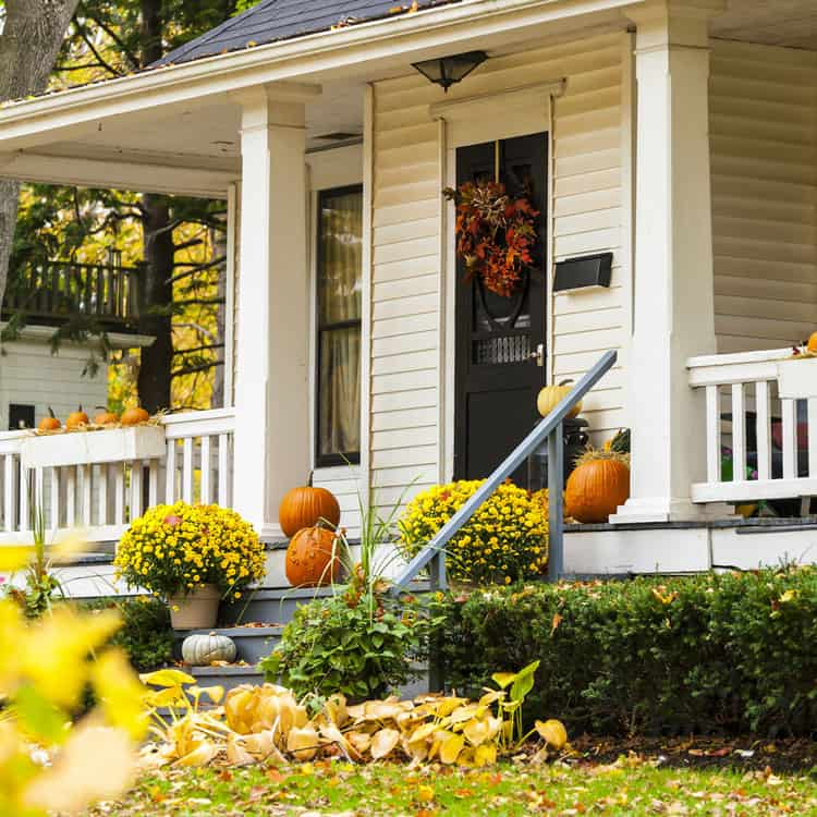 Keep Your Curb Appeal Understated With A Simple Fall Welcome For Guests. An  Assortment Of Pumpkins, Potted Mums And A Dried Wreath Let Everyone Know  That ...