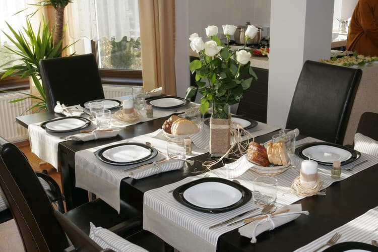 If The Neutrals In Your Dining Room Are Beginning To Lull You To Sleep,  Wake Things Up By Injecting Another Color. In This Case, Chic Black Comes  To The ...