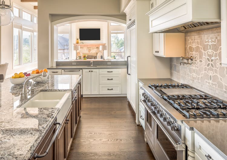 Beau This Kitchen Will Definitely Make Your Mouth Water. Anyone Who Appreciates  Traditional Design Would Love To Cook In This Galley Kitchen.