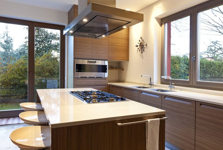 Open And Uncluttered Are The Mantras For Todays Modern Kitchen Feel Free To Use Some Of The Ideas From This Stylishly Streamlinede A Small Open