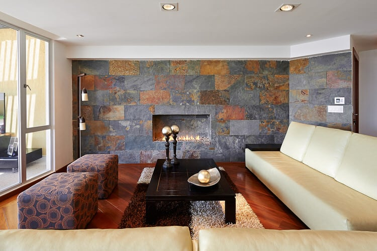 30 gorgeous living rooms with stone walls interiorcharm Black tile flooring modern living room