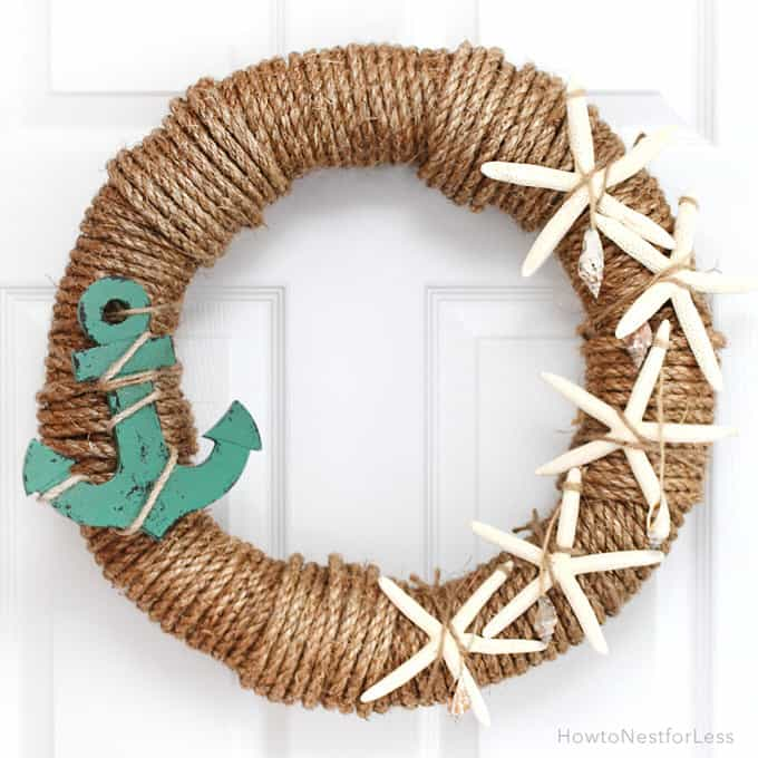 Here is a great wreath with a splendid ocean theme. This DIY decoration is perfect for a beach house or a breezy beach themed design.
