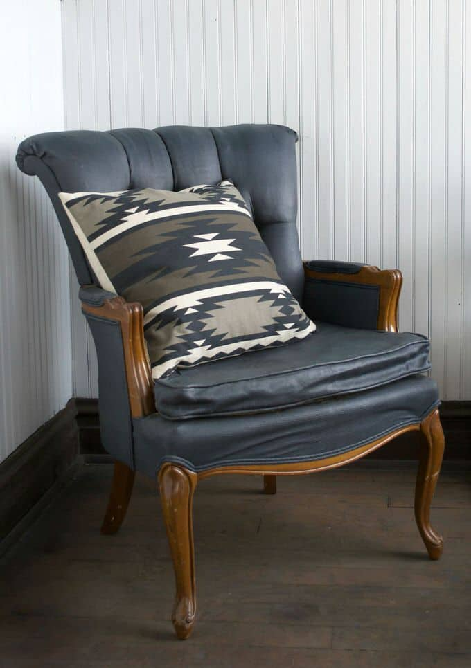 Here Is One Way To Refurbish An Old Chair With Paint You Can Breathe New