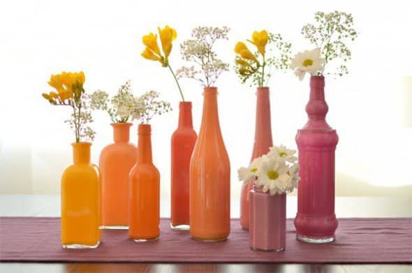 For an amazing shabby chic look you can use this painted vase project to hold your flowers. Give new life to bottles by reusing items that would otherwise be thrown away.