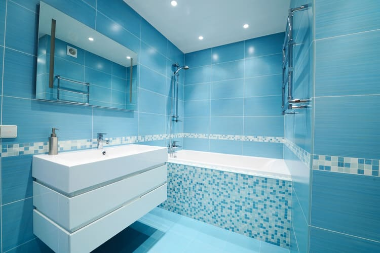 42 Jaw-Dropping Luxury Bathrooms (Pictures)