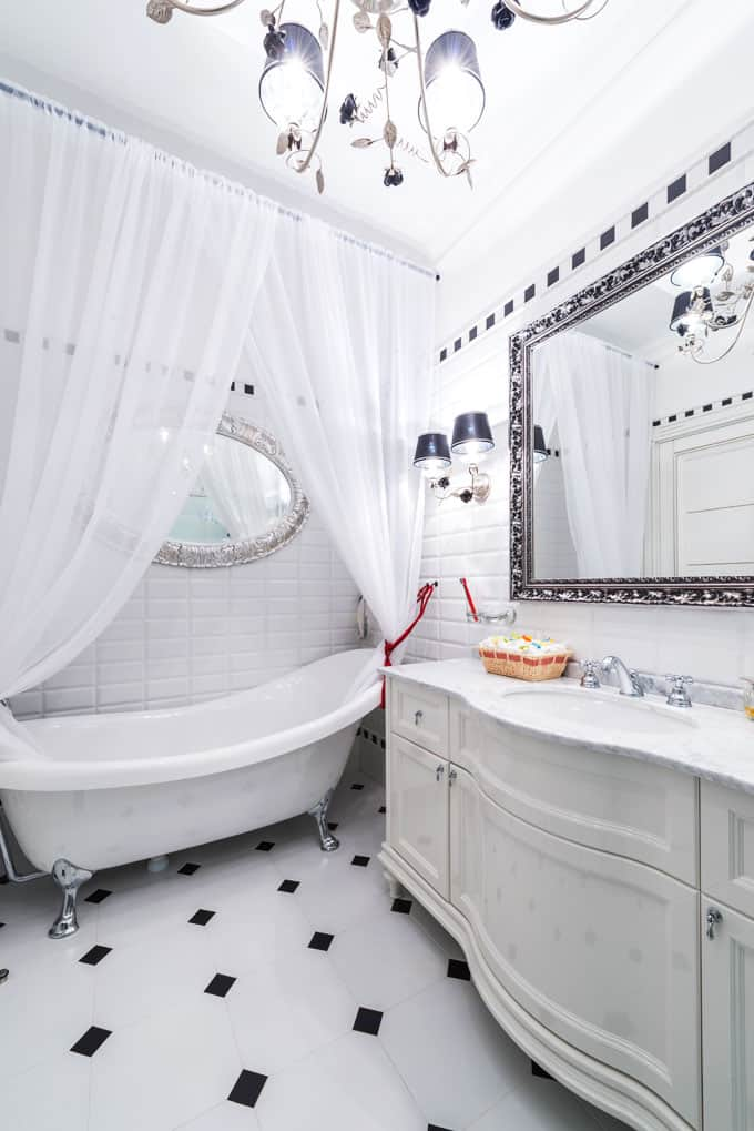 12 Beautiful Bathrooms With Clawfoot Tubs Pictures