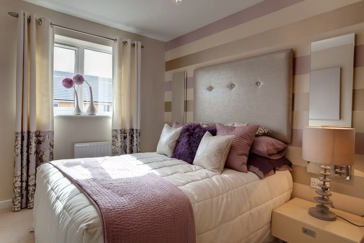 Superieur Horizontal Rose Gold Stripes And A Tufted Headboard Provide A Focal Point  Of This Muted And Relaxing Bedroom. Shades Of Of Soft Rose, Lavender And  Neutrals ...