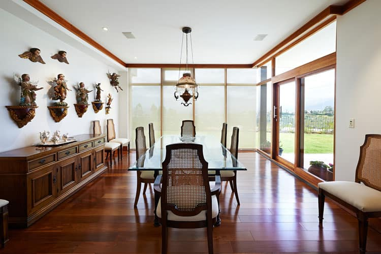 29 Glamorous Glass Dining Room Tables (Pictures)