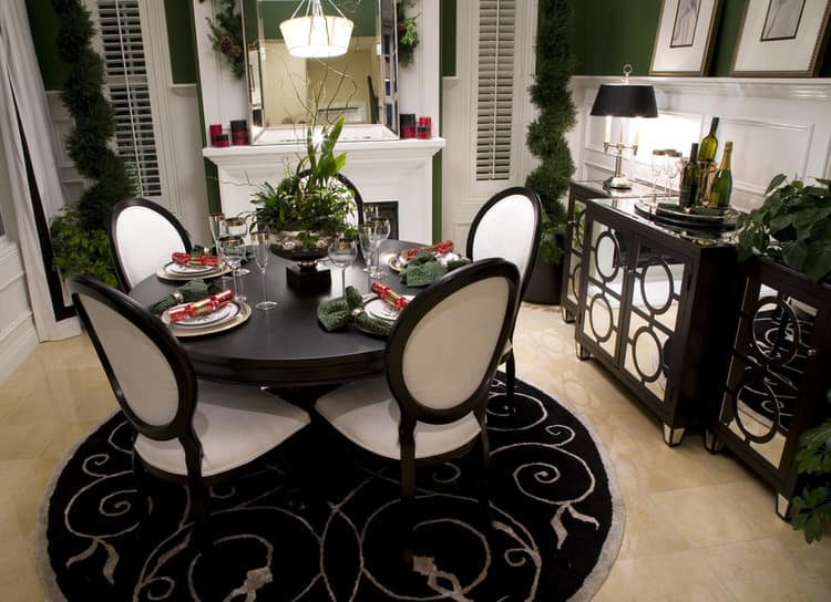 This Charming Palm Beach Dining Room Is Small In Size But Big In  Personality. All About Entertaining, This Elegant Room Plays Up The  Contrasts Between Black ...