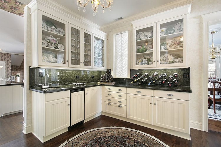 27 White Kitchen Cabinet Design Ideas (Pictures)