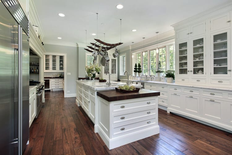 49 Wonderful White Bright Kitchens (Pictures)